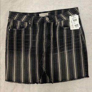 Tillys striped skirt
